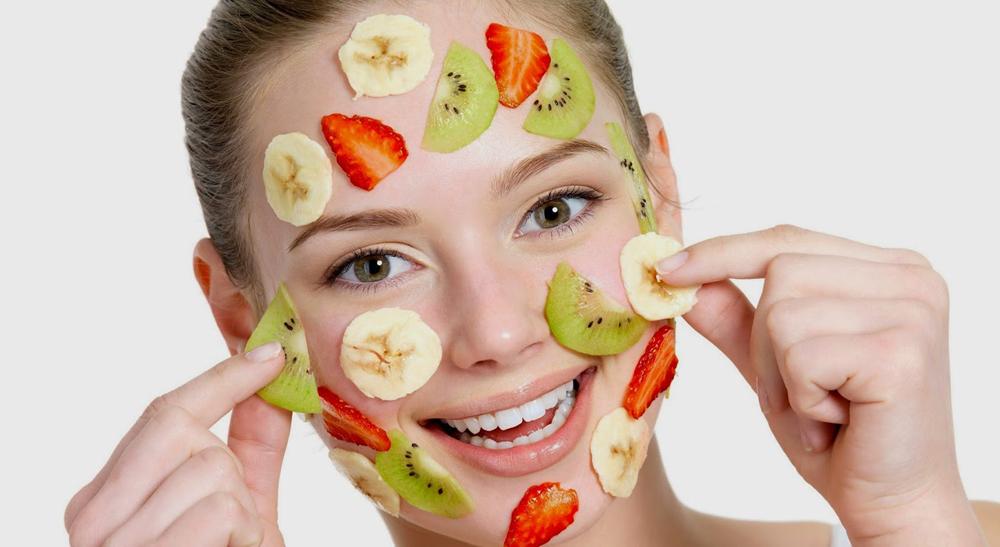 Điều trị nám má bằng cách đắp mặt nạ trái cây
