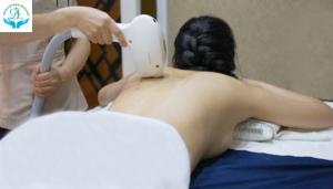 Dịch vụ điều trị mụn viêm lỗ chân lông vùng lưng tại Phòng khám da liễu Hà Nội